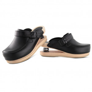 Relax clogs upper closed black