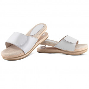 Relax clogs upper open white